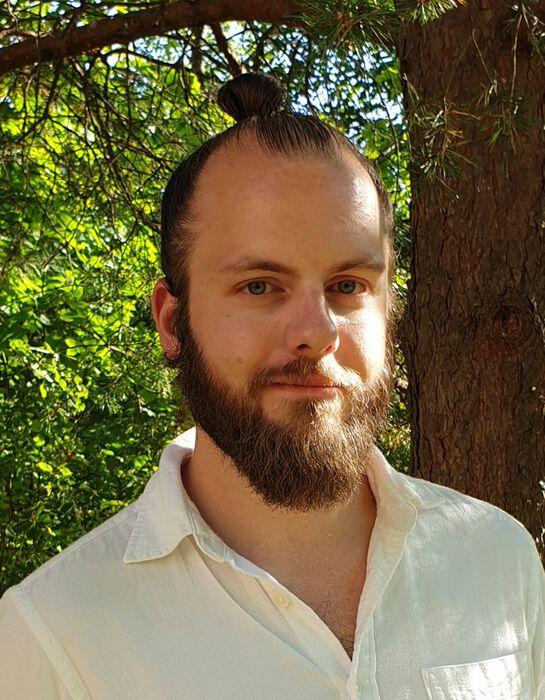 Portrait photo of Henrik Eklund