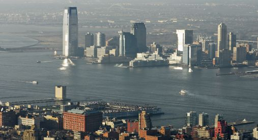 According to a new study is the global sea level rising faster than previously thought. The accelerating sea level will have impact on coastlines around the world.  Several of the World's largest cities are near a coastline, here New York. For others see U.N. Atlas of the Oceans.  Illustration photo: Colourbox.com