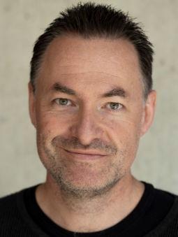 Portrait of Halvor Knutsen.