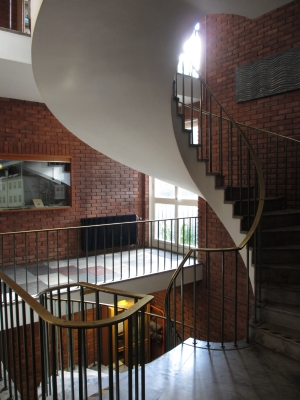 The spiral staircase in the entrance hall, Geology building, Dep. of Geosciences. Photo: GK Tjoflot, UiO