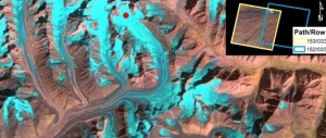 This picture show the overlap between neighboring Landsat paths at glaciers in the Pamirs (Tajikistan/Kyrgyzstan). Photo: Winsvold et al