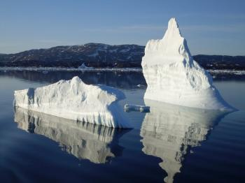 Arctic cryosphere: Researchers want to map circulation patterns of icebergs in cold waters. Icebergs represents a potential risk for maritime transportation in the North. Illustration picture: Colourbox.com