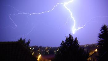 Lightning over the city of Oslo. Photo: NRS, UiO