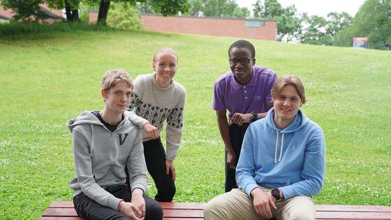 De fire flinkeste kjemielevene Tina, Abdur-Raheem, Simen og Joachim